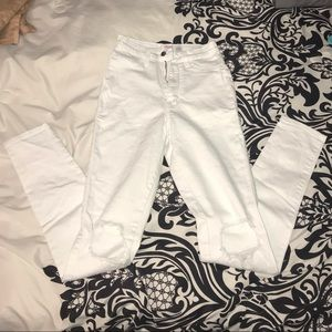 Brand new!! White distressed jeans